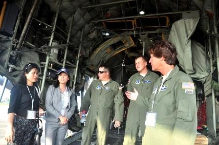Các chuyên gia giới thiệu tính năng của C-130H