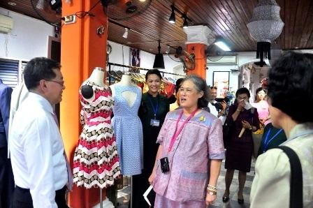 Công chúa Thái Lan vào cửa hiệu may đo Yaly
