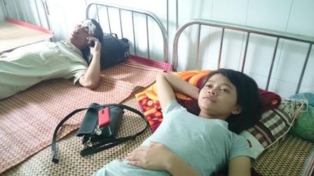 Một số người bị thương nhẹ đang điều trị ở Trung tâm Y tế Phước Sơn
