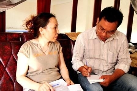 Bà Trương Thị Mộng Thu tiếp xúc với PV Dân trí.