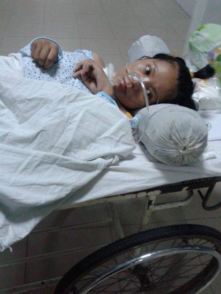Phút hồi tỉnh hiếm hoi của bệnh nhân Hà Thị Ngân