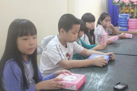 Bánh ngọt Thu Hượng tặng 52 suất bánh trung thu đến các em nhỏ phường Phúc Tân
