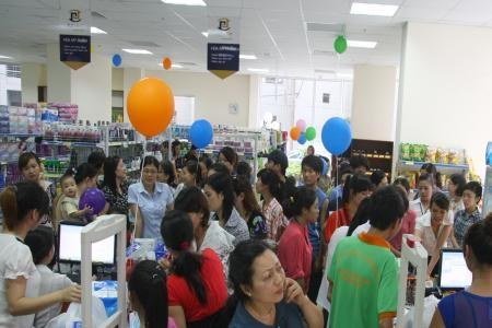 Ế ẩm, tồn kho nhiều: DN và siêu thị giữ giá
