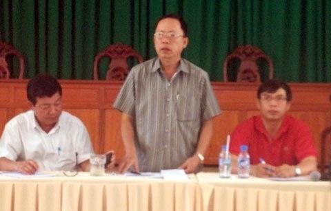 Chủ tịch tỉnh Hậu Giang - Ông Trần Công Chánh đối thoại với công nhân.
