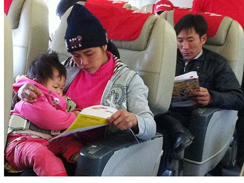 Các chuyến bay Tết thường có nhiều trẻ em dưới 2 tuổi