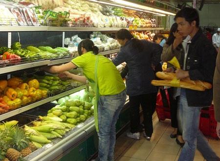 Lương thực thực phẩm chiếm tỷ trọng 40% rổ tính giá nên đà giảm đã kéo CPI xuống mức âm.