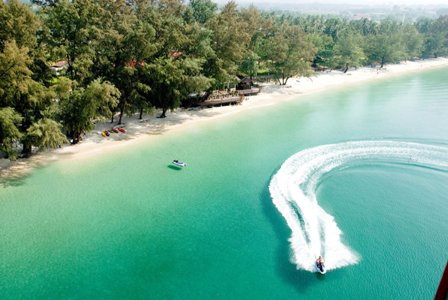 Thành phố biển Sihanouk Ville và cao nguyên Bokor (núi Tà Lơn) đang được du khách ưa chuộng