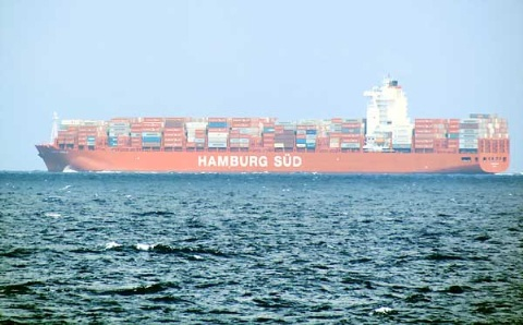 Tàu container Santa Ursula của hãng HAMBURG SUD (Đức) .