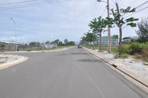 """Đất nền """"giá bèo"""" được rao bán nhan nhản trên các đường phố ở vùng ven Đà Nẵng"""
