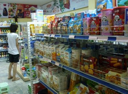 Bánh kẹo nhập ngoại phong phú chủng loại