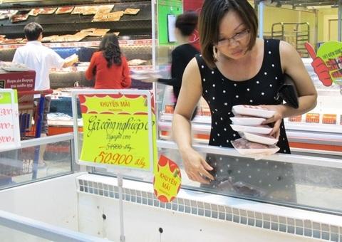 Thịt heo, thịt gà công nghiệp cũng là thực phẩm tránh bão được nhiều ngươi tìm mua