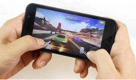 RACER đáp ứng hoàn hảo các tựa game đồ họa nặng đòi hỏi nhịp độ cao.
