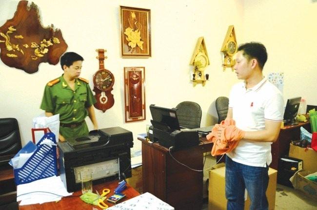 Nguyễn Hoàng Vũ (Tổng GĐ Cty Tâm Mặt Trời) lúc bị Bộ Công an bắt giữ.