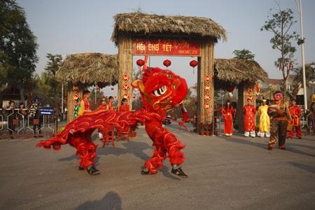 Sống động không gian Tết Việt với Hội chợ Xuân Vinhomes 2014