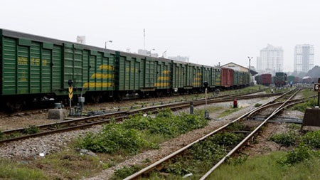 Ngành đường sắt ôm cả hạ tầng và vận tải để làm gì?. Ảnh: Hồng Vĩnh
