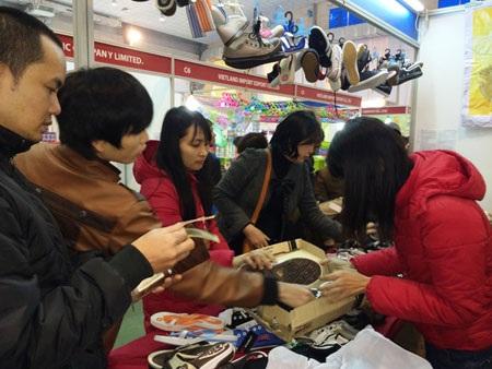 Những thông tin về hàng Trung Quốc bị nhiễm độc khiến người tiêu dùng tìm đến với hàng Thái.