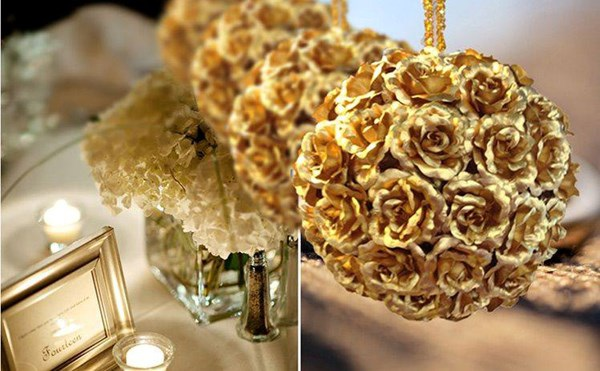 Bó 10 bông hồng dát vàng được một cửa hàng tại Bạch Mai rao bán với giá 5,3 triệu đồng