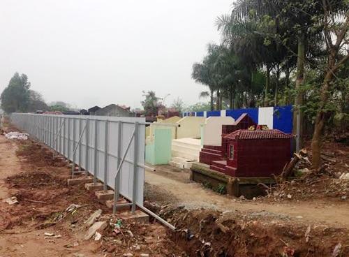 Dự án tại đường vành đai 3 đang quây nghĩa trang để triển khai khu đô thị
