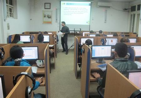 Một tiết học MOS tại IIG Việt Nam.