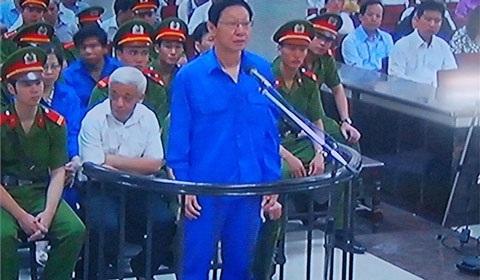 Xuất hiện trước tòa lần này, ông Trịnh Kim Quang xuống sắc hơn khá nhiều