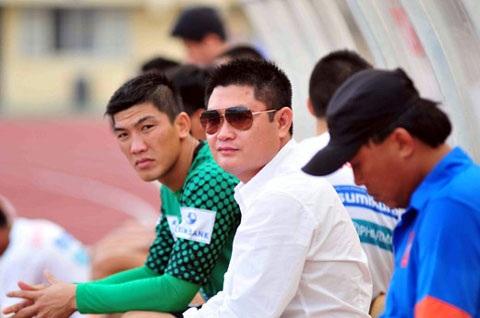 Trong các bầu Việt Nam, có lẽ không có ai chơi bóng đá 'ngông' như ông Nguyễn Đức Thụy