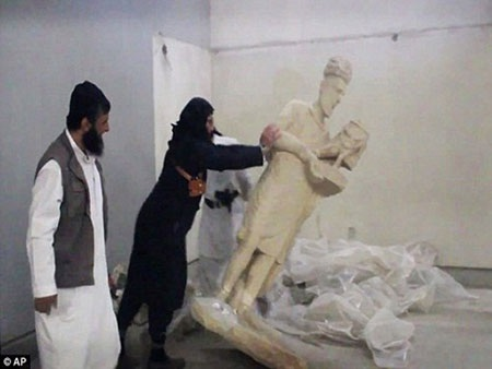 IS đang tàn phá nhiều công trình cổ đại hàng nghìn năm tuổi tại Iraq