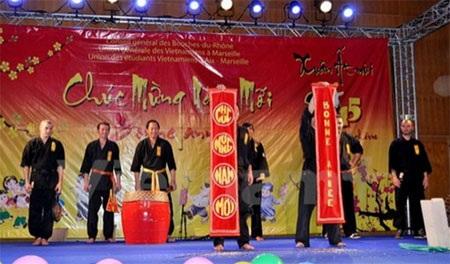 Cộng đồng người Việt ở Pháp đón Tết Ất Mùi tại Marseille, Lyon