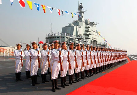 Hải quân Trung Quốc trên tàu sân bay Liêu Ninh