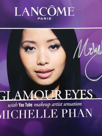 Michelle Phan trong một tấm áp phích quảng cáo