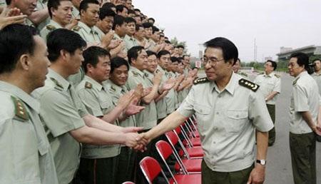 Thứ tư, quyết tâm kiểm soát quân đội