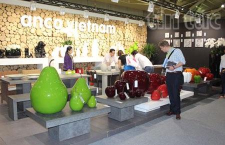 Một gian hàng tại Hội chợ quốc tế đồ gỗ và nội thất Singapore (IFFS)