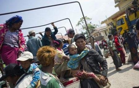 Người dân chạy trốn xung đột ở biên giới Myanmar-Trung Quốc tại một trại tị nạn ở Lashio, Myanmar