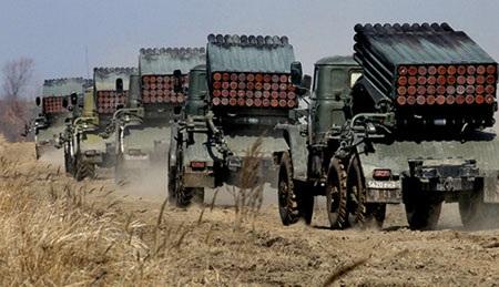 Nhiều vũ khí hạng nặng của Nga được huy động trong diễn tập quân sự (Ảnh: RIA Novosti)