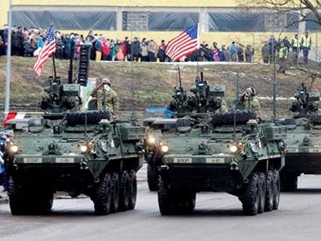 Mỹ, NATO diễu binh cực lớn khoe sức mạnh gần biên giới Nga