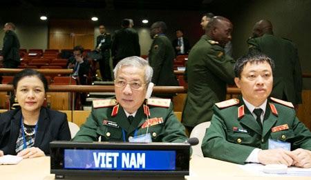 Đoàn Việt Nam dự Hội nghị
