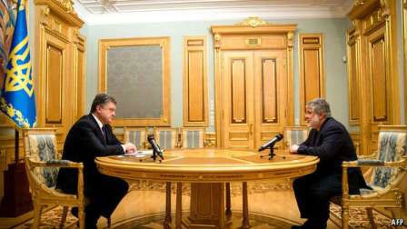 Tổng thống Ukraine Petro Poroshenko (trái) và ông Ihor Kolomoysky (Ảnh: AFP)