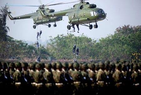 Quân đội Myanmar duyệt binh trong ngày kỷ niệm 27/3 tại thủ đô Naypyidaw