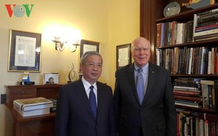 Thứ trưởng Nguyễn Chí Vịnh và Thượng nghị sĩ Patrick Leahy