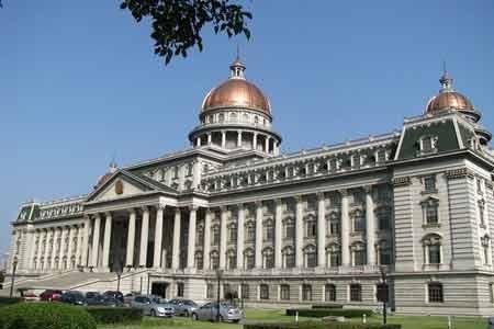 Tòa án nhân dân Jiangyin tại thành phố Jiangyin, tỉnh Giang Tô