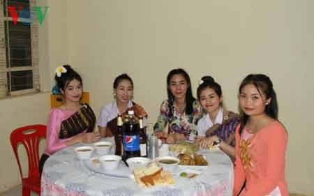 Một số sinh viên Lào và Campuchia
