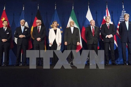 Các đại diện P5+1 và Iran sau khi kết thúc đàm phán. (