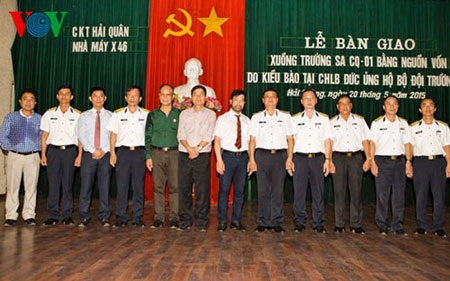 Lễ bàn giao tàu CQ cho quân, dân Trường Sa