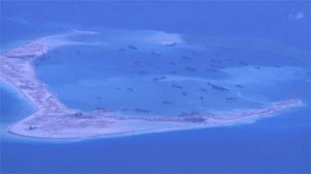 Hình ảnh Trung Quốc xây đảo trái phép trên Biển Đông do hãng tin CNN chụp lại