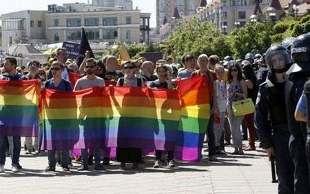 Người biểu tình Kiev đòi Tổng thống phải nói chuyện với người dân hôm 6/6