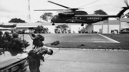 Trực thăng Mỹ từ tàu chiến bay vào Sài Gòn di tản công dân Mỹ