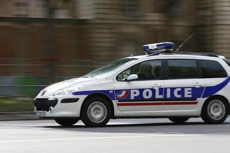 Cảnh sát Pháp đã bắt được nghi phạm gây ra vụ tấn công gần Grenoble (Nguồn: Twiter)