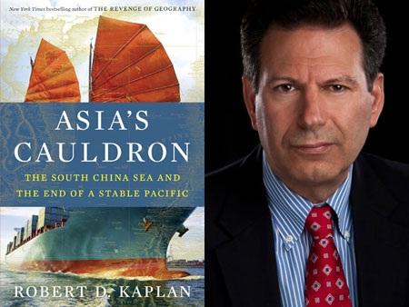 Robert D. Kaplan và bìa cuốn sách Chảo dầu sôi của châu Á của ông