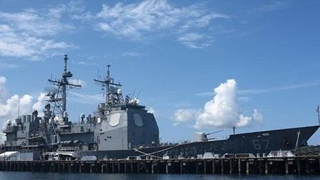 Tuần dương hạm của Mỹ tại Vịnh Subic trên Biển Đông. (Ảnh: