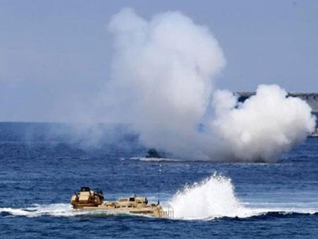 Lực lượng Mỹ và Philippines trên biển ngày 2l/4. (