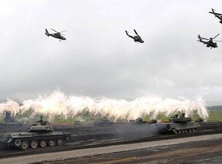 Nhật Bản tập trận bộ binh sát núi Phú Sĩ
